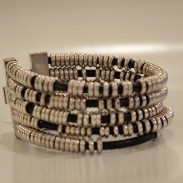 bracelet-cuir-et-metal-002-1